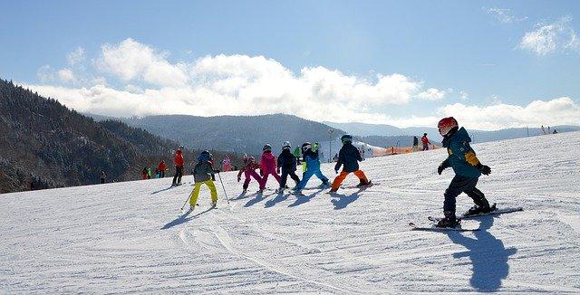 Jak wybrać przedszkole narciarskie, aby Twoje dziecko szybko nauczyło się jeździć na nartach?